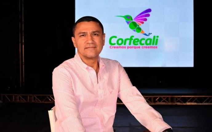 Renuncia director de Corfecali, tras polémica por asistencia a fiesta