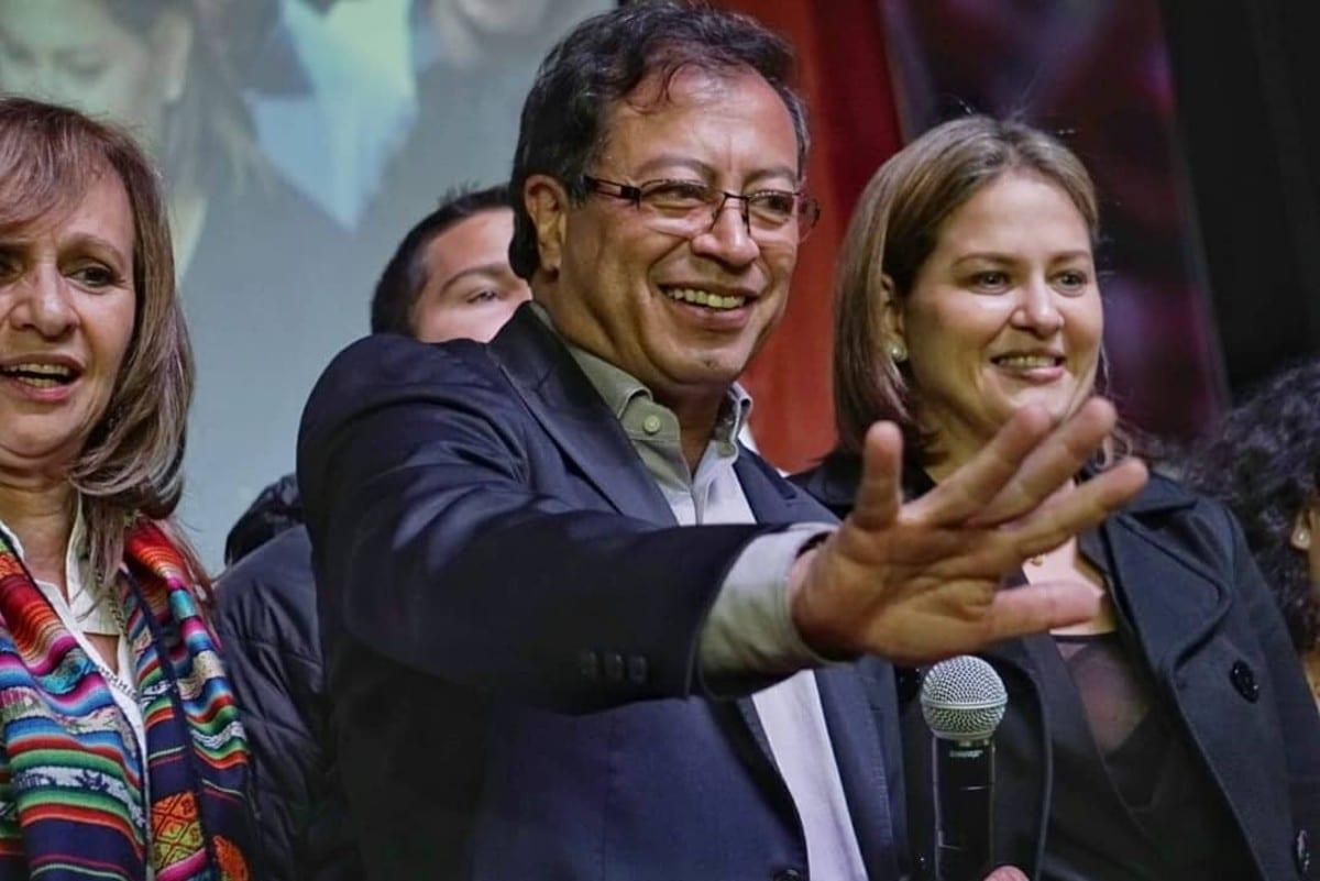 Investigación contra Petro y la 'bolsa de billetes' fue cerrada por el CNE