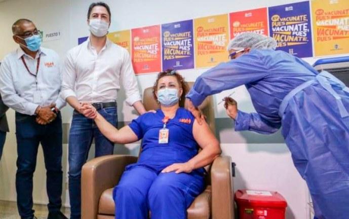 La política colombiana contamina la vacunación contra el covid-19