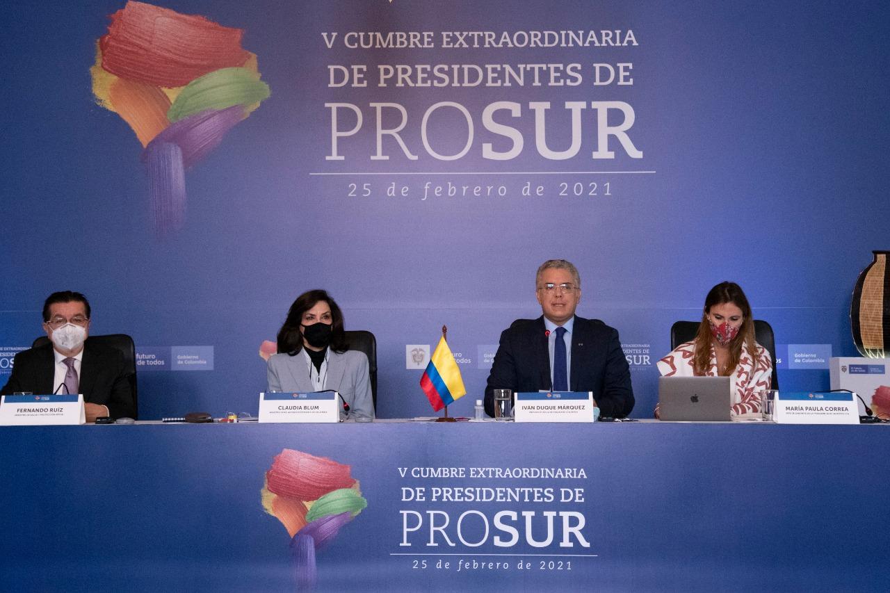 Vacunación masiva y reactivación económica: la agenda de Duque en la Cumbre Presidencial Prosur