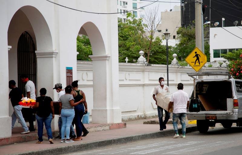 Víctimas por covid de este domingo la más baja en 2 meses en Colombia
