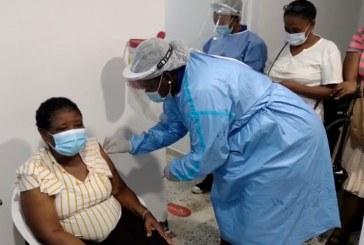 779 personas han sido vacunadas en la primera fase, en Buenaventura
