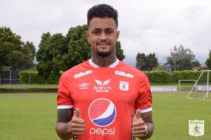 América oficializó la llegada de Joao Rodríguez y espera otro jugador