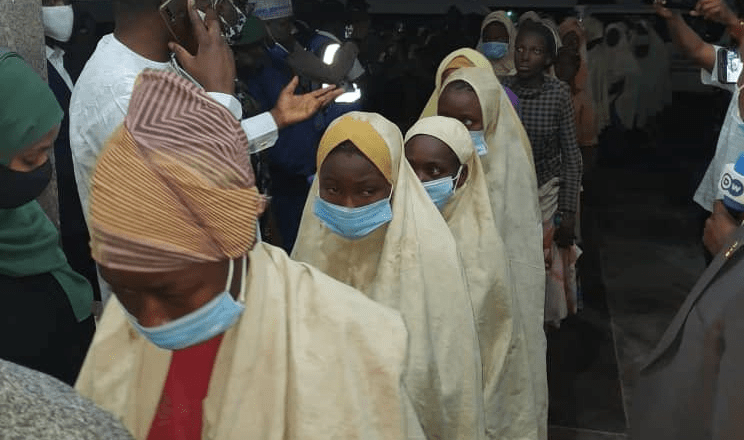 Más de 250 niñas en Nigeria fueron liberadas este martes