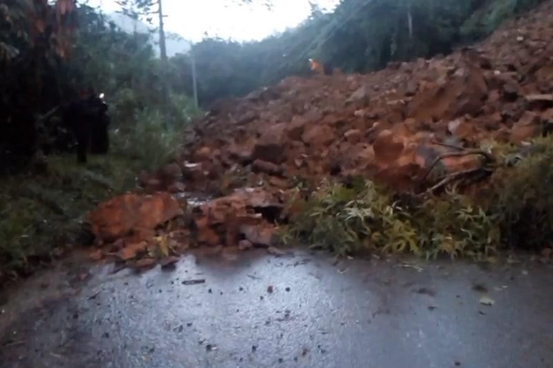 Derrumbe por lluvias tiene incomunicado al corregimiento de Pance