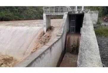Avanza la reparación de acueductos afectados por las lluvias en el Valle