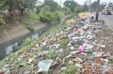 Retiran 120 toneladas de basura de los canales de agua lluvia de Cali