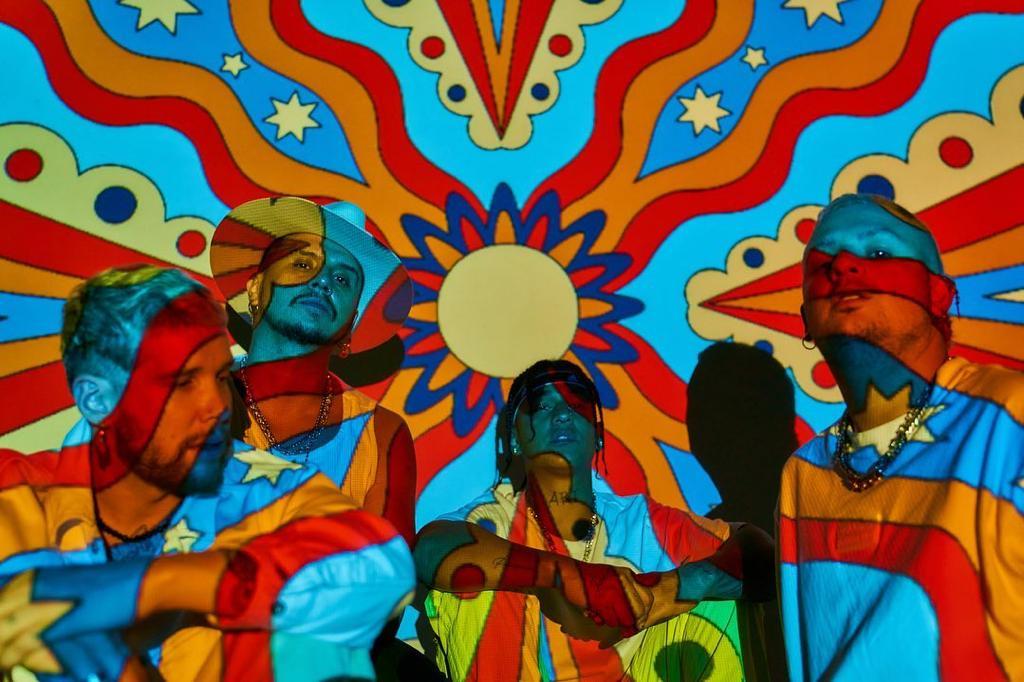 La agrupación Piso 21 en el escenario de los Latin American Music Awards