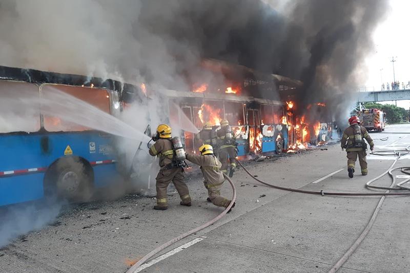Bomberos de Cali atendieron 39 emergencias durante jornada del 28 de abril