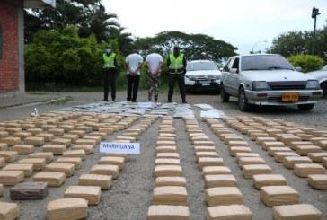 Dos hombres capturados por portar 353.000 dosis de marihuana en un vehículo