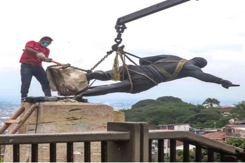 Estatua de Sebastián de Belalcázar fue retirada temporalmente para ser restaurada