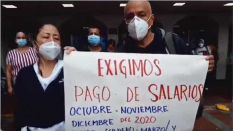 Funcionarios del Hospital San Juan de Dios protestan por atrasos en los salarios