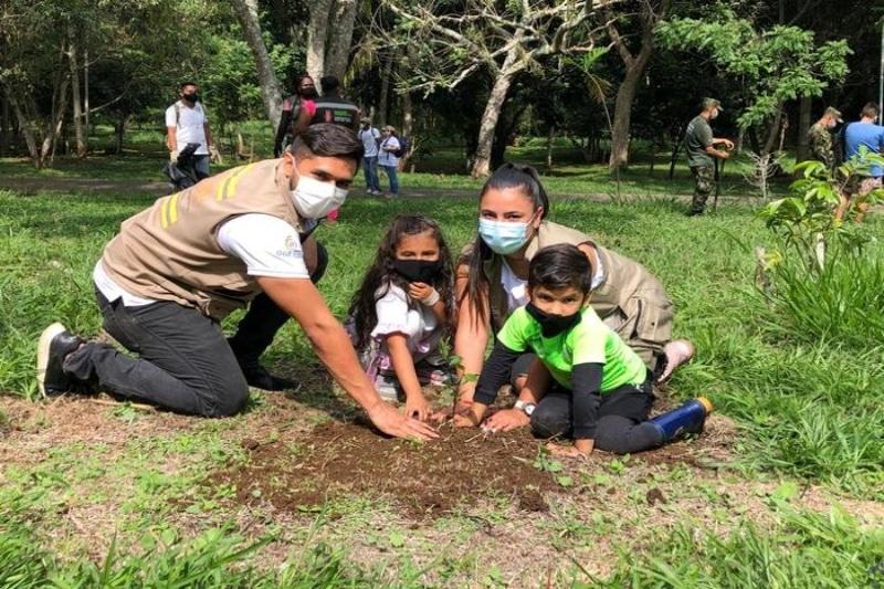Se sembraron 3 mil árboles en el Ecoparque de Pance por el Día de la Tierra