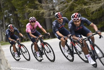 Egan Bernal, sigue líder y está a 30 km de conquistar el Giro de Italia