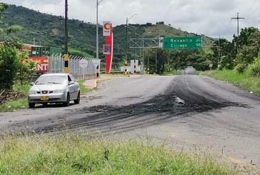 Logran desbloquear vía a Riofrío a través del diálogo