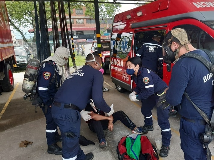 Piden permitir desplazamiento de ambulancias y organismos de socorro en Cali