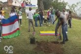 Con siembra de árboles jóvenes piden que se reanuden los diálogos