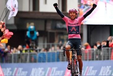 En una etapa de trámite, Egan Bernal mantiene la camiseta de líder del Giro de Italia