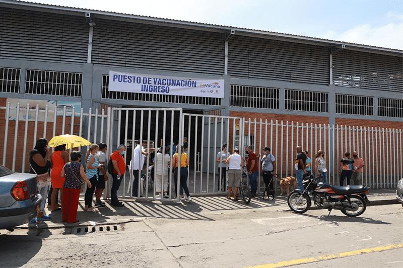 Se inaugura nuevo megacentro de vacunación en el coliseo El Sena