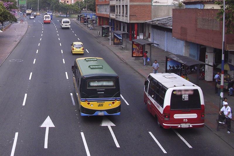 Regresan los buses urbanos tradicionales a Cali para atender crisis de movilidad