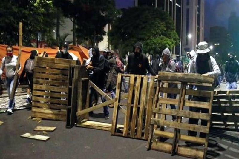 Sociólogos advierten que barricadas podrían afectar a los mismos manifestantes