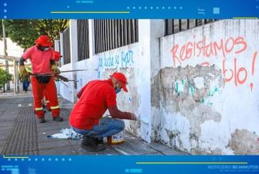 Alcaldía ejecuta arreglos a fachadas de la calle 5 por daños durante el Paro