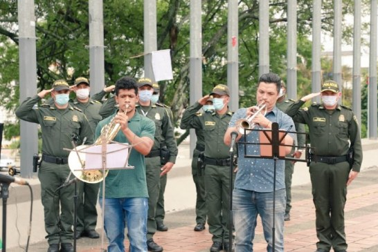 Concierto de reconciliación entre Policía y músico de Univalle que estuvo retenido