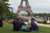 Francia quita el tapabocas en la calle y adelanta el fin del toque de queda