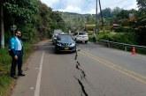 En el kilómetro 16 de la vía al mar se abrió una grieta por falla geológica
