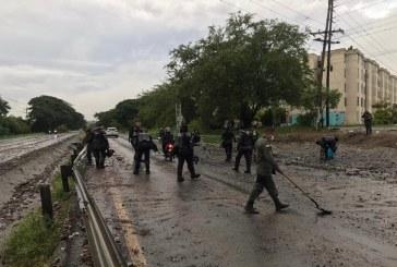 Habilitan circulación vehicular en vía Panamericana entre Buga y Pereira