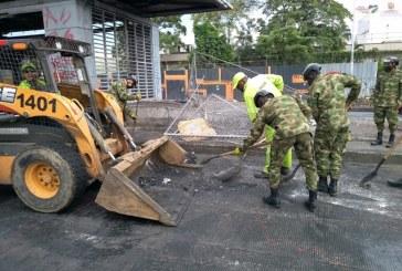 Pese a jornada de limpieza, manifestantes vuelven a bloquear Paso del Comercio