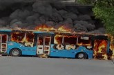Vándalos incineran bus del sistema de transporte Mío al norte de Cali