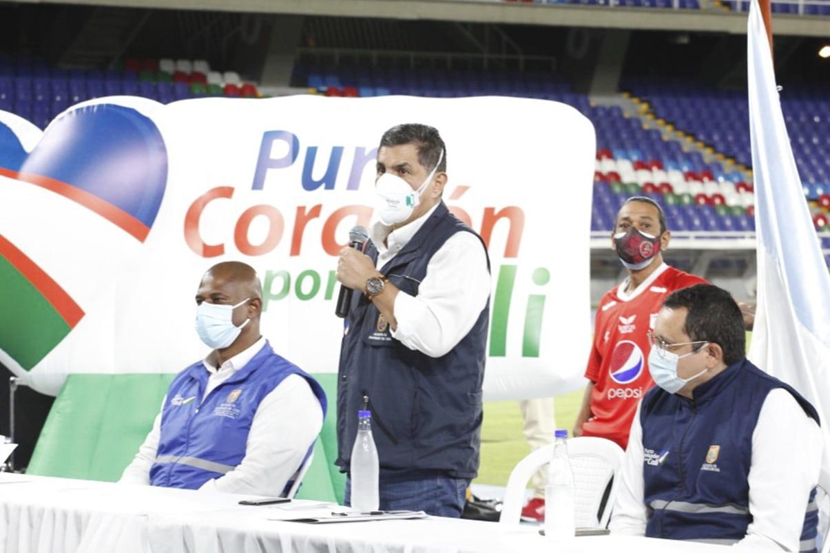 Alcalde de Cali propone al Gobierno Nacional vacunar a barristas de fútbol