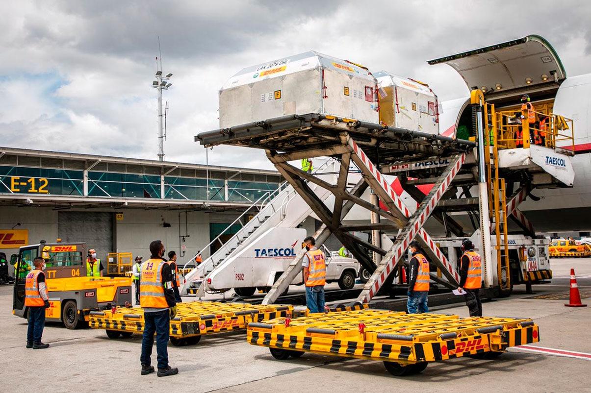 Colombia recibió 443.430 vacunas de Pfizer que serán para segunda dosis