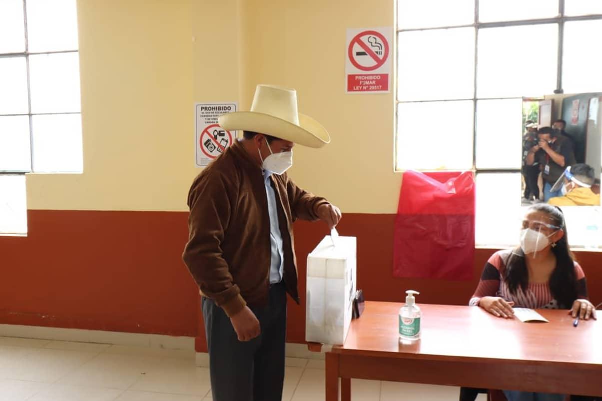 Ente electoral proclama a Pedro Castillo como nuevo presidente de Perú