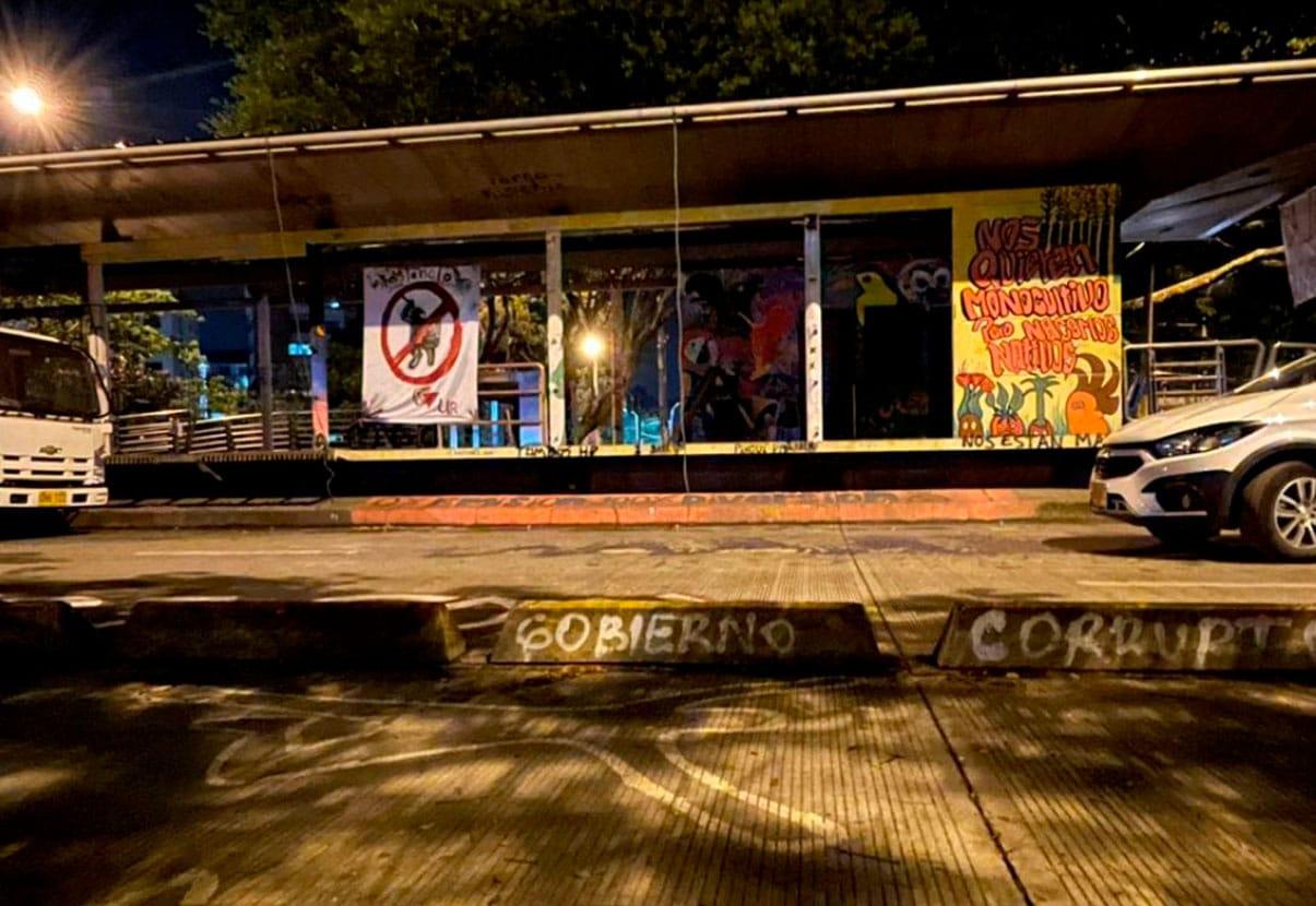 Estación del Mío Univalle fue desalojada, jóvenes se trasladan a Ciudad 2000