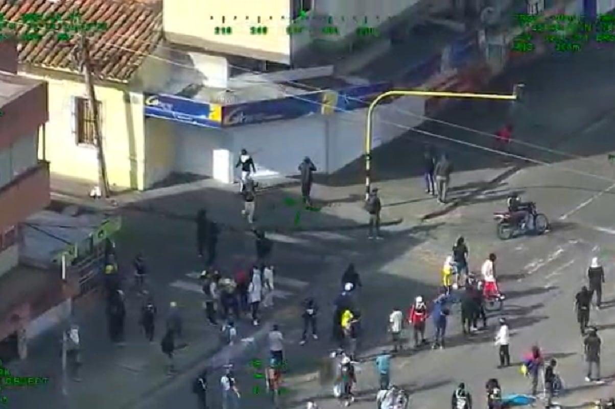 Revelan video del momento en que inician enfrentamientos en la Loma de la Cruz