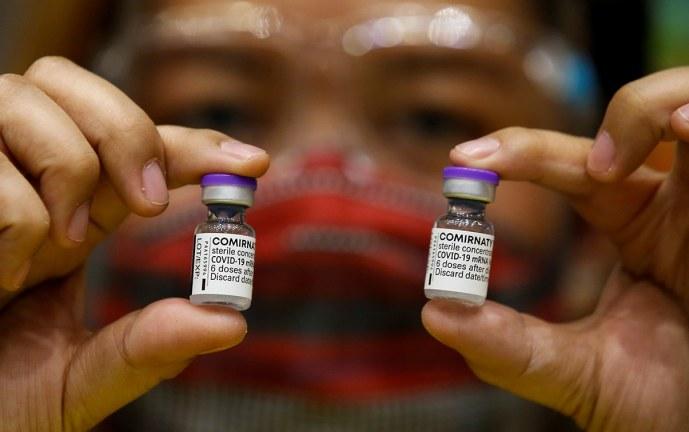 Pfizer pedirá autorizar una tercera dosis de su vacuna para mayor protección
