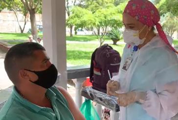 Avanza jornada de vacunación en el Dovio con las vacunas Janssen