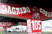 Aficionados del América de Cali pintaron puente de la Autopista sur con 23