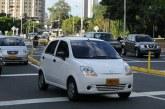 Polémica tras sanciones por uso de polarizado en carros sin tener permiso