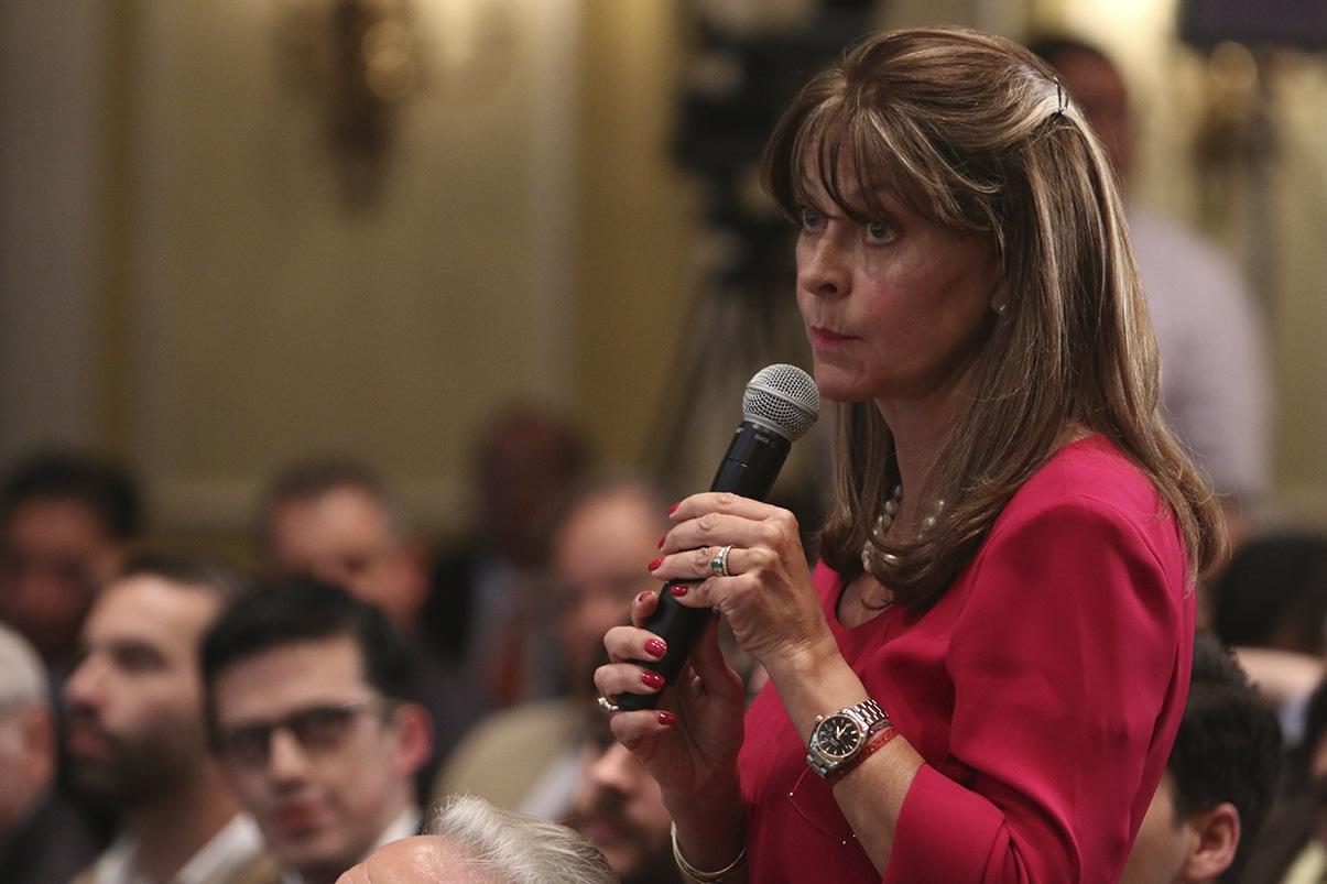 Vicepresidenta cree que protestas fueron organizadas para deteriorar el país
