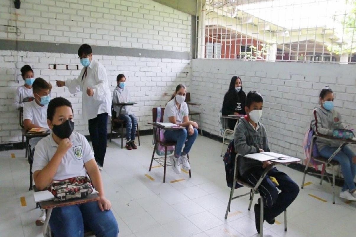 Instituciones educativas regresan a clases presenciales en Bugalagrande