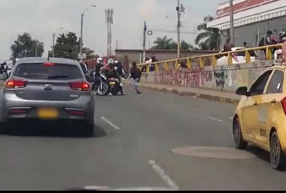 Capturadas tres personas que robaron a multitud en el Cementerio Central