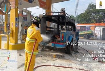 Guala se incendió mientras tanqueaba en Jamundí, hay 8 heridos