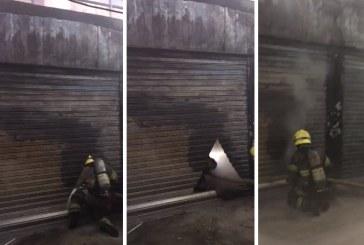Incendio de local comercial de calzado alarmó al centro de Cali