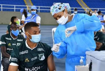 Jugadores del Deportivo Cali recibieron primera dosis contra el Covid-19