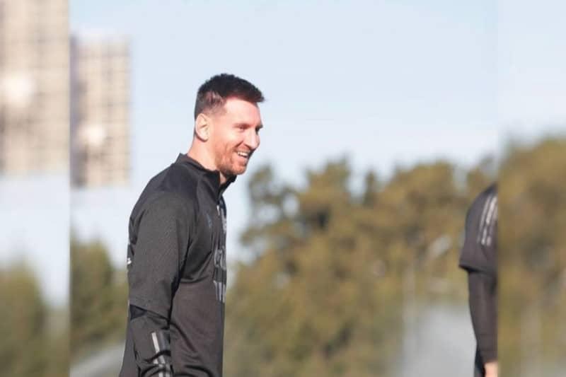 ¡Messi ya está en París! Firma acuerdo por dos temporadas con el PSG