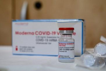 Moderna ve necesaria tercera dosis antes de fin de año por la variante delta