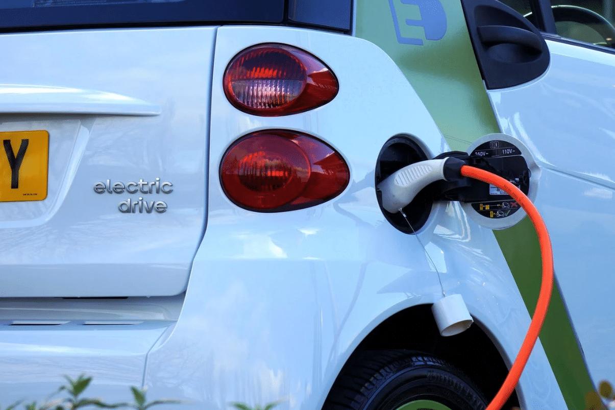 Aumentó la matrícula de vehículos eléctricos e híbridos en Colombia